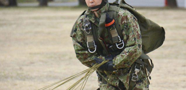 女性も空挺団で活躍する時代になった